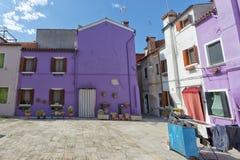 Ζωηρόχρωμα σπίτια Burano Βενετία Στοκ φωτογραφίες με δικαίωμα ελεύθερης χρήσης
