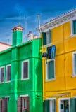 Ζωηρόχρωμα σπίτια Burano, Ιταλία Στοκ εικόνες με δικαίωμα ελεύθερης χρήσης