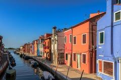ζωηρόχρωμα σπίτια burano Στοκ φωτογραφία με δικαίωμα ελεύθερης χρήσης