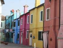 Ζωηρόχρωμα σπίτια Burano ` s Στοκ εικόνες με δικαίωμα ελεύθερης χρήσης
