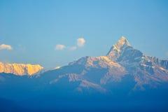 Ζωηρόχρωμα τοπ FO τα βουνά σε Pokhara, Νεπάλ Στοκ Φωτογραφία