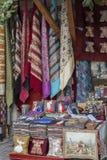 Ζωηρόχρωμα τουρκικά αναμνηστικά σχεδίου στην οδό, Ιστανμπούλ, Τουρκία Στοκ Φωτογραφία