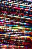 ζωηρόχρωμα υφάσματα Στοκ εικόνα με δικαίωμα ελεύθερης χρήσης