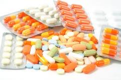 ζωηρόχρωμα χάπια πακέτων Στοκ φωτογραφία με δικαίωμα ελεύθερης χρήσης
