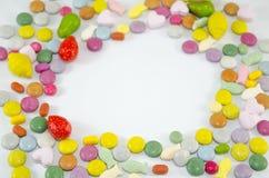 Ζωηρόχρωμα bonbons με το copyspace Στοκ φωτογραφίες με δικαίωμα ελεύθερης χρήσης