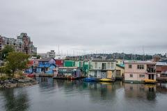 Ζωηρόχρωμα houseboats, Βικτώρια, Καναδάς Στοκ Φωτογραφία
