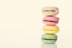 ζωηρόχρωμα macaroons Γλυκά macarons Στοκ εικόνα με δικαίωμα ελεύθερης χρήσης