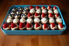 ζωηρόχρωμα muffins στοκ εικόνες