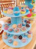 Ζωηρόχρωμα popcakes Στοκ φωτογραφία με δικαίωμα ελεύθερης χρήσης
