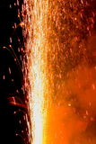 ζωηρόχρωμες ακτίνες πυρκ Στοκ Εικόνες