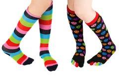 ζωηρόχρωμες γυναικείες κάλτσες ποδιών Στοκ Φωτογραφία