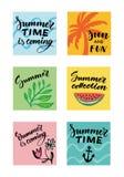 Ζωηρόχρωμες θερινές τυπογραφικές κάρτες καθορισμένες ελεύθερη απεικόνιση δικαιώματος