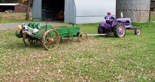 Ζωηρόχρωμες διακοσμήσεις διακοπών πτώσης στο αγρόκτημα. Στοκ Εικόνα