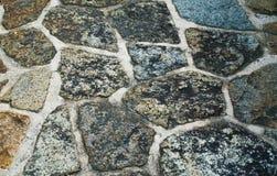 Ζωηρόχρωμες διαφοροποιημένες πέτρες σύστασης υποβάθρου με το ρευστοκονίαμα Στοκ εικόνα με δικαίωμα ελεύθερης χρήσης