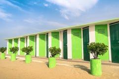 Ζωηρόχρωμες καμπίνες επιδέσμου στην παραλία Rimini Στοκ Εικόνα