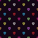 Ζωηρόχρωμες καρδιές doodle στο μαύρο υπόβαθρο ελεύθερη απεικόνιση δικαιώματος
