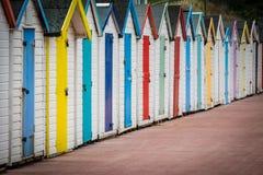 ζωηρόχρωμες καλύβες παρ&alp Στοκ φωτογραφίες με δικαίωμα ελεύθερης χρήσης