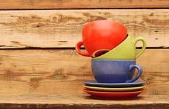 Ζωηρόχρωμες κούπες καφέ Στοκ Εικόνες