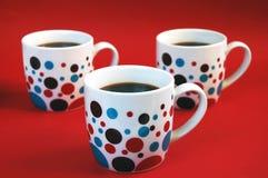 ζωηρόχρωμες κούπες καφέ Στοκ εικόνες με δικαίωμα ελεύθερης χρήσης
