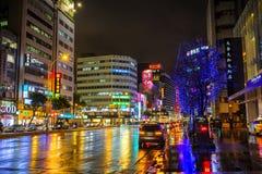 Ζωηρόχρωμες οδοί νύχτας της Ταϊπέι Στοκ Εικόνες