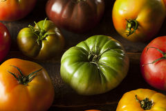 Ζωηρόχρωμες οργανικές ντομάτες οικογενειακών κειμηλίων Στοκ εικόνα με δικαίωμα ελεύθερης χρήσης