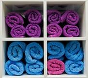 ζωηρόχρωμες πετσέτες Στοκ εικόνα με δικαίωμα ελεύθερης χρήσης