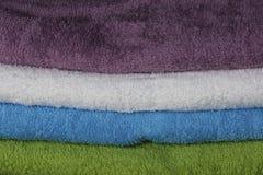 Ζωηρόχρωμες πετσέτες στοκ φωτογραφία με δικαίωμα ελεύθερης χρήσης