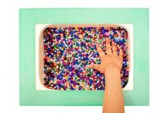 Ζωηρόχρωμες πλαστικές εκπαιδευτικές δομικές μονάδες παιχνιδιών για τα παιδιά Στοκ Φωτογραφία