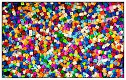 Ζωηρόχρωμες πλαστικές εκπαιδευτικές δομικές μονάδες παιχνιδιών για τα παιδιά Στοκ φωτογραφία με δικαίωμα ελεύθερης χρήσης