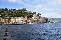 Ζωηρόχρωμες προσόψεις Portofino των σπιτιών στη θάλασσα Στοκ εικόνα με δικαίωμα ελεύθερης χρήσης