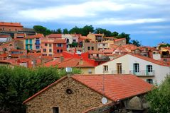 Ζωηρόχρωμες στέγες σε Collioure Στοκ Φωτογραφία