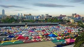 ζωηρόχρωμες στέγες σκηνών Στοκ φωτογραφία με δικαίωμα ελεύθερης χρήσης