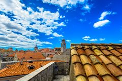 Ζωηρόχρωμες στέγες στη Μεσόγειο, Κροατία Στοκ φωτογραφίες με δικαίωμα ελεύθερης χρήσης