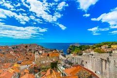 Ζωηρόχρωμες στέγες στη Μεσόγειο, παλαιά πόλη Dubrovnik Στοκ Φωτογραφία