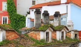 Ζωηρόχρωμες στέγες της Κοΐμπρα, Πορτογαλία Στοκ φωτογραφία με δικαίωμα ελεύθερης χρήσης