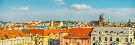 Ζωηρόχρωμες στέγες της Πράγας, κεφάλαιο Czechia Στοκ Εικόνα
