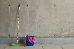 Ζωηρόχρωμες χρησιμότητες 4 καθαρισμού Στοκ εικόνα με δικαίωμα ελεύθερης χρήσης