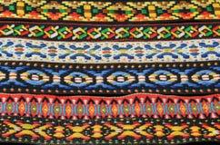 Ζωηρόχρωμες Headband αμερικανών ιθαγενών ινδικές συστάσεις υφάσματος Στοκ φωτογραφία με δικαίωμα ελεύθερης χρήσης
