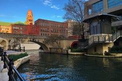 Ζωηρόχρωμη άποψη του San Antonio, Τέξας Riverwalk Στοκ εικόνα με δικαίωμα ελεύθερης χρήσης