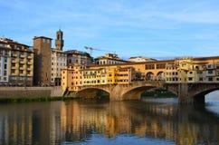 Ζωηρόχρωμη άποψη Ponte Vecchio, Φλωρεντία, Ιταλία Στοκ Εικόνες