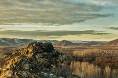 ζωηρόχρωμη ανατολή βουνών τοπίων φθινοπώρου Στοκ Εικόνα