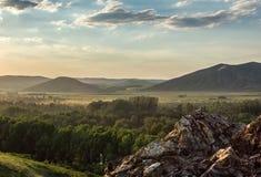 ζωηρόχρωμη ανατολή βουνών τοπίων φθινοπώρου Στοκ Εικόνες