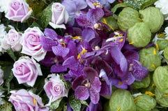 Ζωηρόχρωμη ανθοδέσμη λουλουδιών. Στοκ Εικόνες