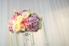 Ζωηρόχρωμη διακόσμηση ανθοδεσμών λουλουδιών Στοκ φωτογραφία με δικαίωμα ελεύθερης χρήσης