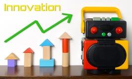 Ζωηρόχρωμη εκπαίδευση παιχνιδιών ρομπότ καινοτομίας Στοκ εικόνα με δικαίωμα ελεύθερης χρήσης