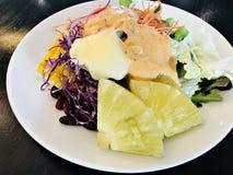 Ζωηρόχρωμη και yummy φυτική σαλάτα στοκ φωτογραφίες