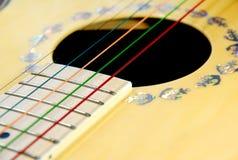 Ζωηρόχρωμη κιθάρα Στοκ εικόνα με δικαίωμα ελεύθερης χρήσης