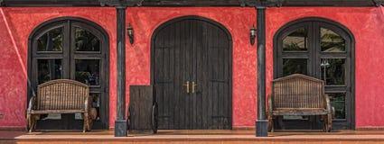 Ζωηρόχρωμη μεξικάνικη πόρτα Στοκ Εικόνες