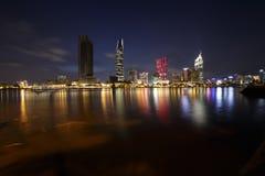 Ζωηρόχρωμη νύχτα άποψης όχθεων ποταμού του Ho Chi Minh στην κυβέρνηση της Νιγηρίας Sai, Βιετνάμ 20 Στοκ Φωτογραφίες