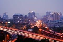 ζωηρόχρωμη νύχτα πόλεων στοκ εικόνες
